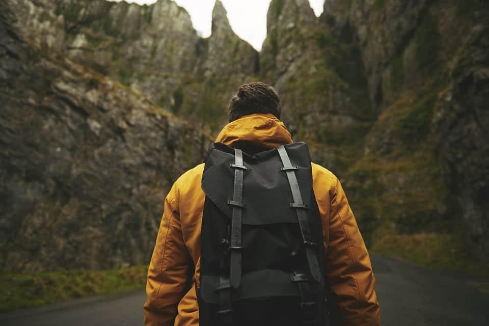Backpacken of lang op reis? Denk aan je zorgverzekering!