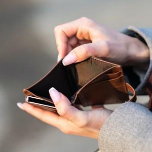 'Reken je niet rijk! Zorgpremie 2022 harder omhoog'