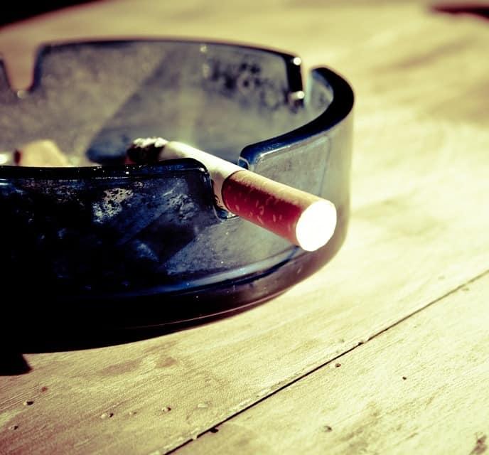 Corona gevaarlijker voor mensen die roken