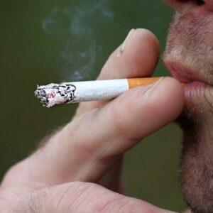 'Hogere zorgpremie voor rokers en drinkers'